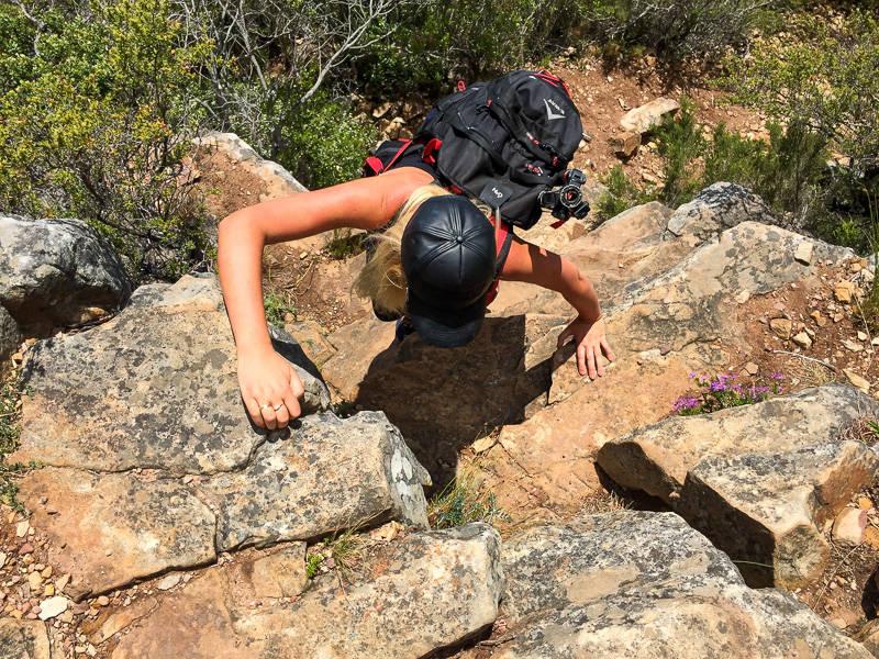 diagonal-cave-hike-3